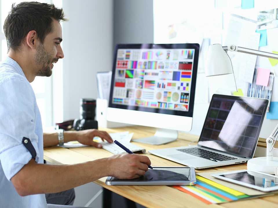 Menggunakan Jasa Web Designer Untuk Promosi Bisnis, Hemat atau Boros?